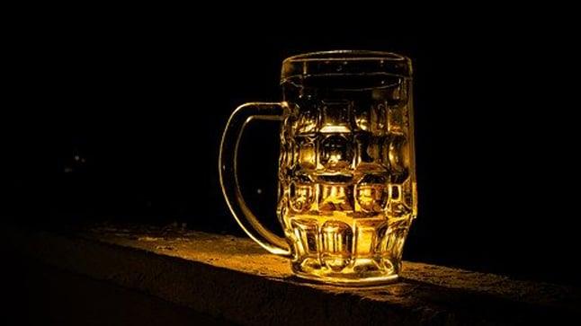 ¿Cómo se mide el consumo agudo de alcohol?